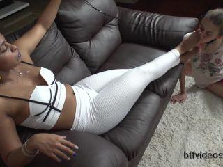 Porn online Foot domination – Bffvideos – Worship Kauanne Big Ass Pt.3