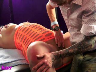 Falicha Karr - Sporty Takes Me On In A Night Club - M@nyv1dz