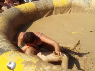 Women's Fights in the Mud 4