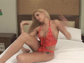 Samantha Ferraz Buttplug Fun