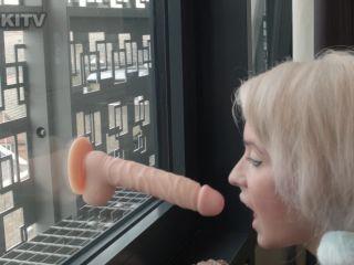 Sammy - Window Suck