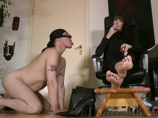 Rauchen – Boot Heel Worship Cbt Humiliation – FootTeasingHumanAshtray – Lady Sofia
