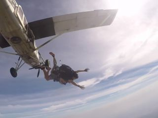 Girl's boob falls out while skydiving