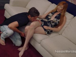 Female Worship – Lauren And Her Male