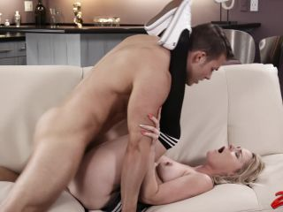 Blonde Lisey Sweet Getting Fucked on Couch  Jun 26, 2018