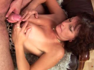 Mature prostitute satisfies his cock and takes the jizz on her face!