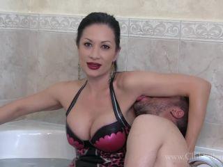 Porn online ClubStiletto: THE WATER BOY