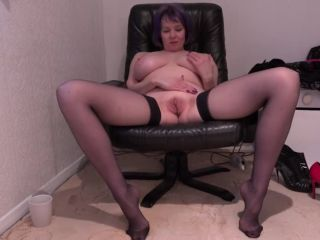 Big breasted mature Tigger sure knows how to please her wet pussy