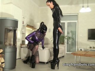 Porn online DirtyTransDolls – Rubber doll polishing duties