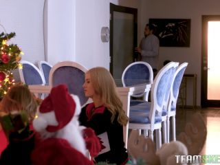 Britney Light, Mazzy Grace - A Package From Santa [