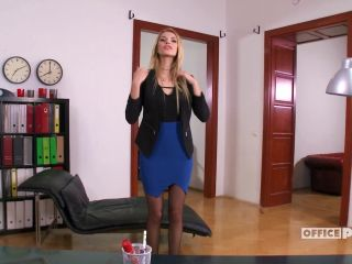 The last Day in the Office w Lana Roberts - itsPOV