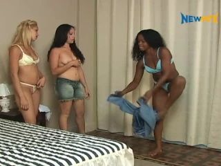 midget fetish muscle   Face Sitting – MFX CLASSIC MOVIES – Having fun with stolen jeans – Full Version – Giovanna, Najara and Karla   mfx classic movies