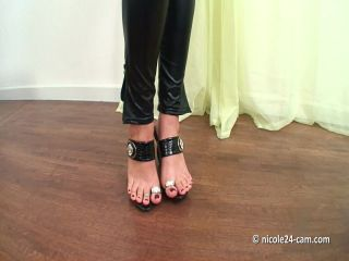 Shoejob Video 17 Nicole24
