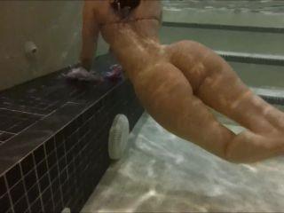 XCM0092 Bellabrookz Underwater Private Video