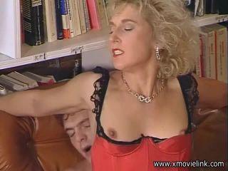 Dirty Woman 1 Season of the Bitch 480p
