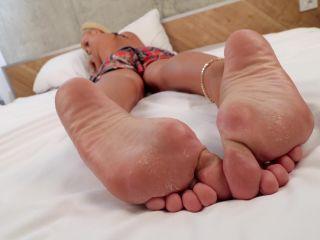 Toes – Rafaela – Her rough soles need your tongue! | soles fetish | femdom porn lingerie fetish porn