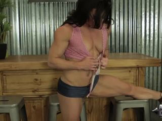 Big clit fitness chick dildos her sy!?
