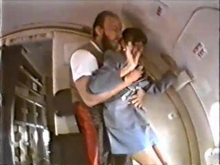 Alt. Titles Aerienne's Surprise / Airline Surprise
