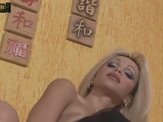 Carla Novaes Fucks Amanda Montinelly