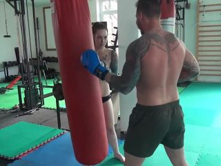 Scissorhold – ULTIMATE MIXED WRESTLING – Her Punching Bag – Sandra