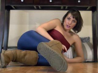 Video online Janey Jones - Uggs Your New Fleshlight