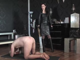 Lady Victoria Valente - Caning in Leather!!!
