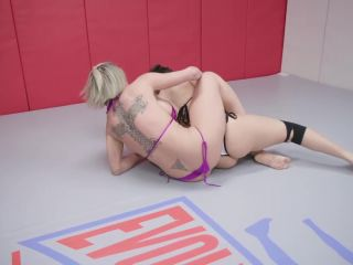 Dee Williams, Gabriella Paltrova
