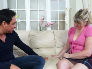 Bo British chubby mature lady fucking and sucking