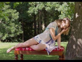 Erotic - Clarice - The Summer Garden