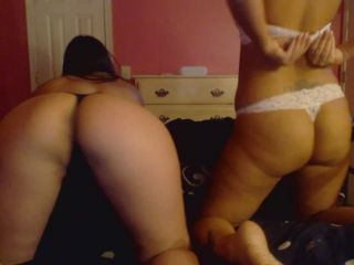 Online video JuliaJay - Feet and Ass with V lesbian
