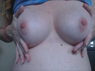 MelanieSweets - Playing with my semi hairy pussy