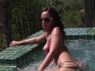 Swimsuit Calendar Girls 2012, Scene 2