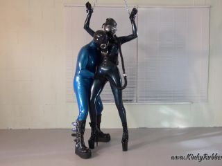 Latex Porn – 7626 – Gasmasks And Rubber