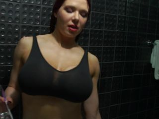 Kylee Nash - Oiling My Muscles