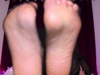 Queen Regina in Foot fetish JOI Addicted