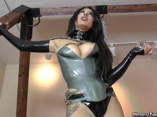 Mistresstangent in Spit Slave