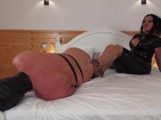 Porn online Kinky Mistresses - Goddess Ezada Sinn`s Footjobs femdom