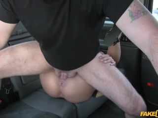 Stunning Romanian with perfect tits gets taxi facial