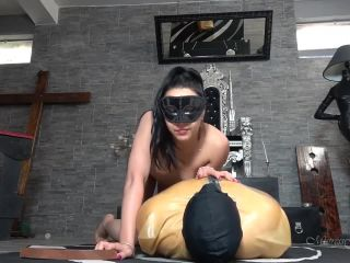 Bdsm – MISTRESS GAIA – SMOTHER UNDER MY SCENTED ASS