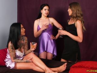 Porn online Pure CFNM - Chantelle Fox, Rhiannon Ryder, Tindra Frost - Stealing His Virginity femdom