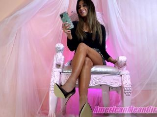 American Mean Girls – Lusting For Lexi's Feet!