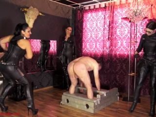 Akella – Mistress Ezada Sinn – The whip quartet