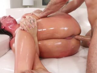 Maddy O' Reilly aka Maddy Oreilly & James Deen - Maddy O' Reilly Is Down For Oiled Up Anal (31.05.2018)