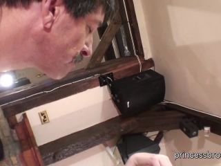 Fat Pig – FemDomShed – BIG Snot