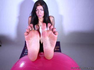 bizarre femdom Shiny soles – Leanne set 5, self foot worship on feet