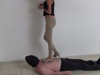 Face stomp – Candy trampling in high heels!