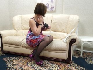 British hairy Milf playing with herself