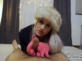 Porn tube Diane Chrystall – Russian girl in pink knitted gloves 1920×1080 HD