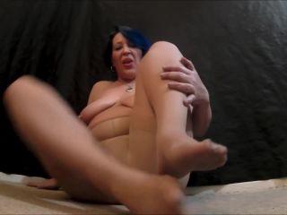 Sexy mom pantyhose joi!