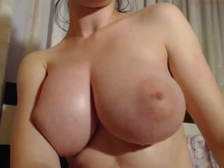 Sexy tits amateur girl